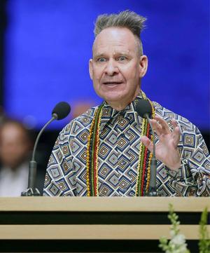Festredner Peter Sellars mahnte entschiedenes Vorgehen beim Klimaschutz ein.
