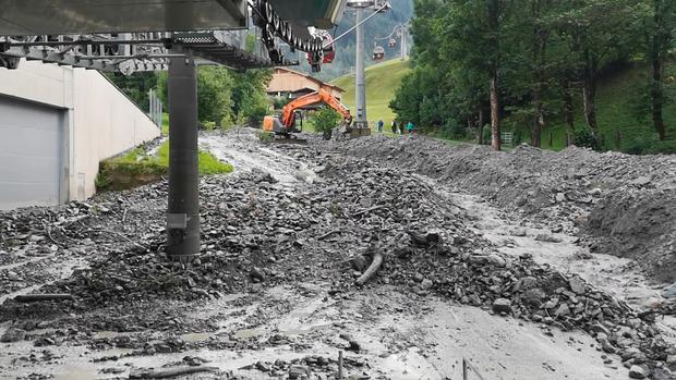 Verletzt wurde durch die Gerölllawine in Kirchberg niemand, die entstandenen Schäden stehen noch nicht fest.