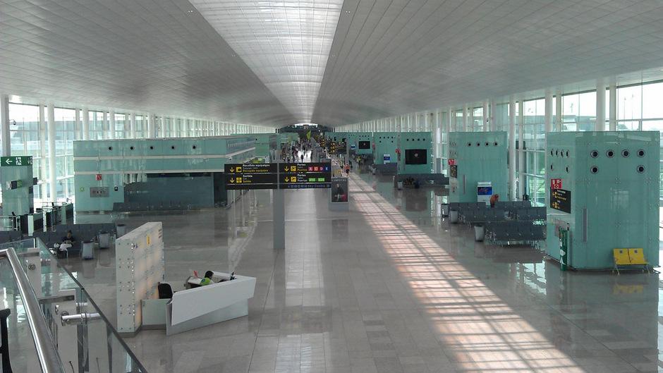 Die Abfertigung am Flughafen Barcelona steht am Wochenende teilweise still.