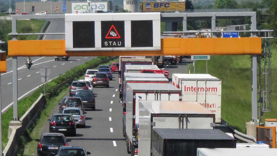 Auf Tirols Straßen sorgen Staus für Frust.