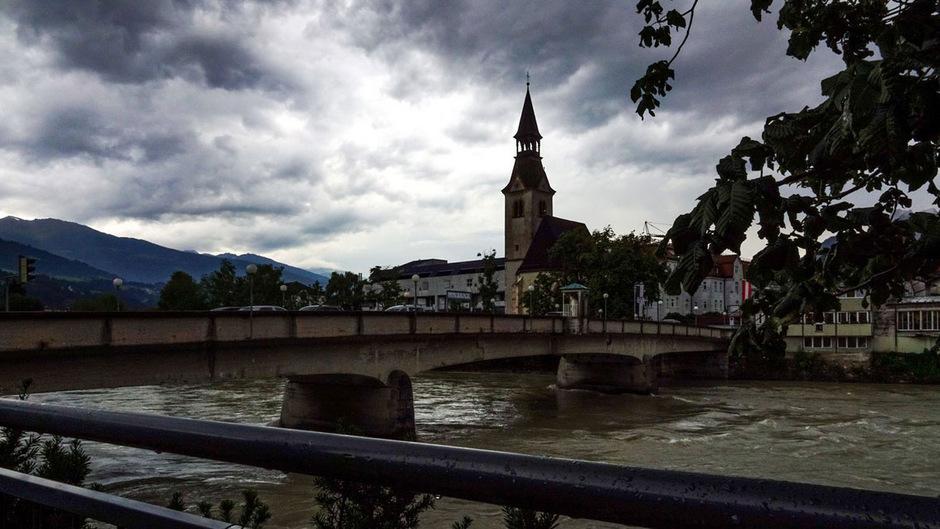 Die Stimmung nach dem Sommerregen hat TT-Leser Max Scherer in Schwaz festgehalten.