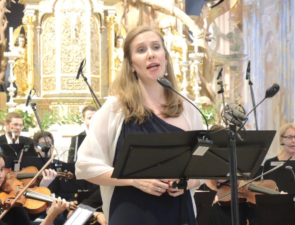 Mit vokaler Delikatesse nahm die Südtiroler Sopranistin Stefanie Steger das Publikum in der Stiftskirche Stams für sich ein.