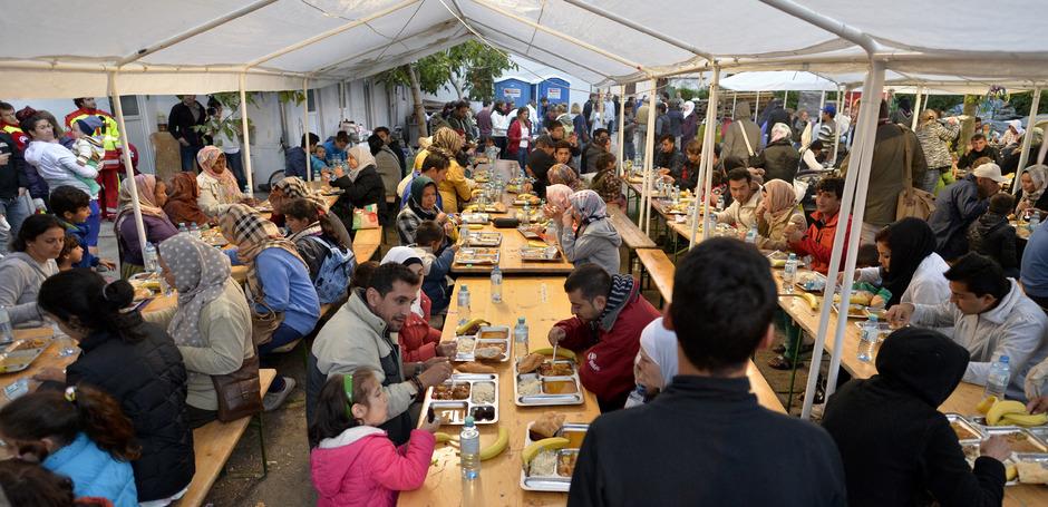 Flüchtlinge im Erstaufnahmezentrum Traiskirchen im Jahr 2015.