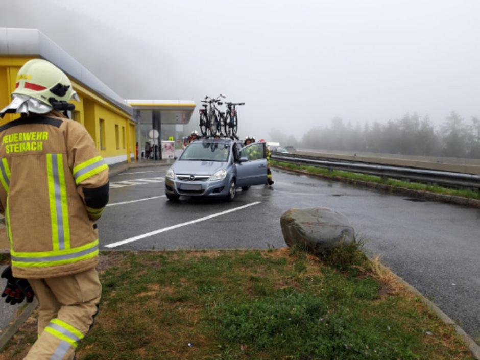 Die Feuerwehr ließ das Gas kontrolliert austreten.