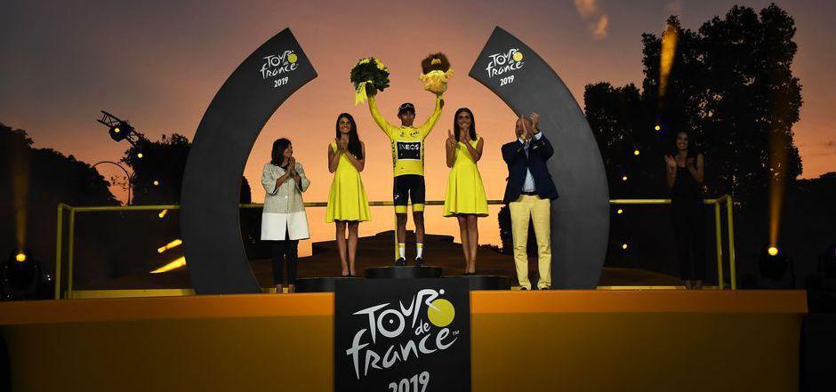 Im Pariser Abendrot feierten die Radsportfans Tour-Sieger Egan Bernal.
