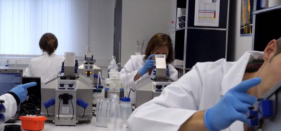 Die in Innsbruck ansässige Oroboros  arbeitet im Bereich der Mitochondrienforschung.
