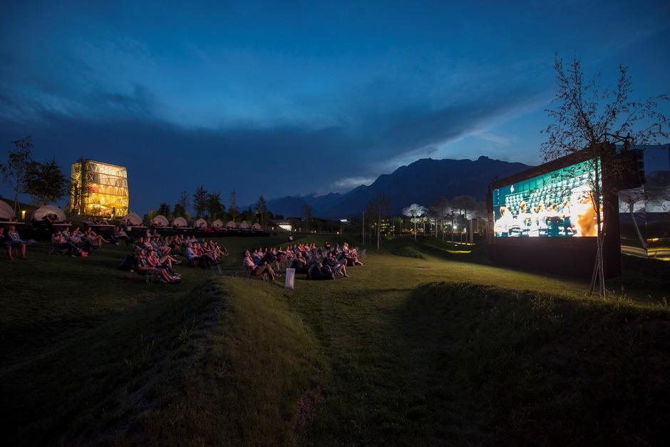 Blockbuster, Kinderfilme, Kritikerlieblinge, Hollywood-Klassiker und heuer auch Streifen mit Zirkusbezug sind in Wattens zu sehen.