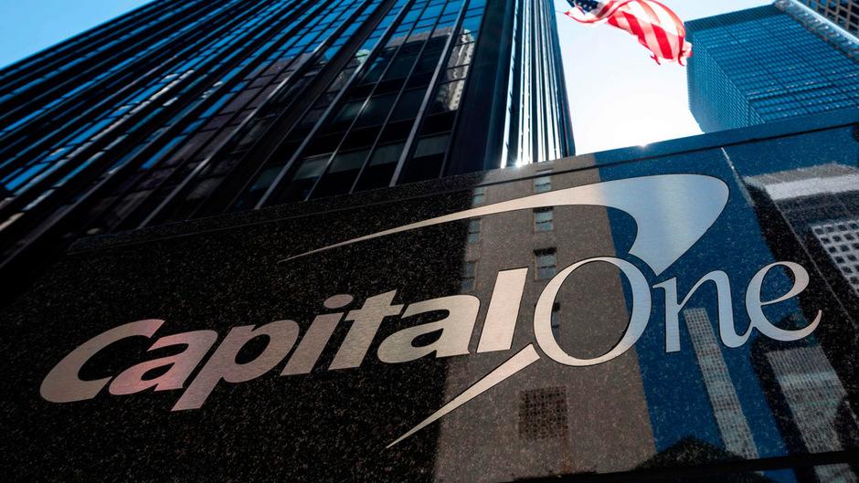 Bei der US-Bank Capital One wurden Millionen Kundendaten gestohlen.