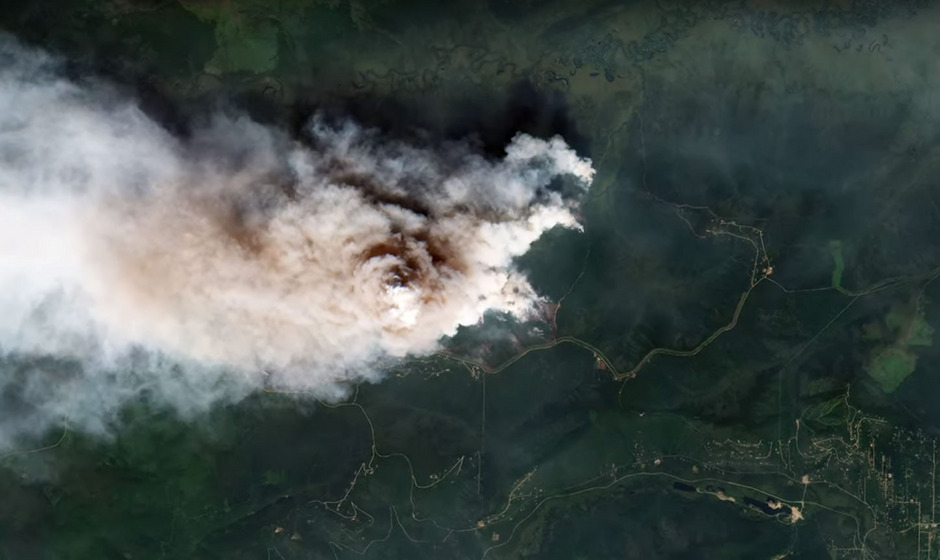 Riesige Waldbrände toben derzeit in Sibirien und Alaska. Nur durch Satellitenaufnahmen werden die Ausmaße deutlich.
