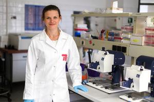 """Jennifer Rosowski (Biotechnologin): """"Aus dem Inneren eines Zahns können wir Zellen kultivieren, aus denen ein neuer im Kiefer heranwächst."""""""