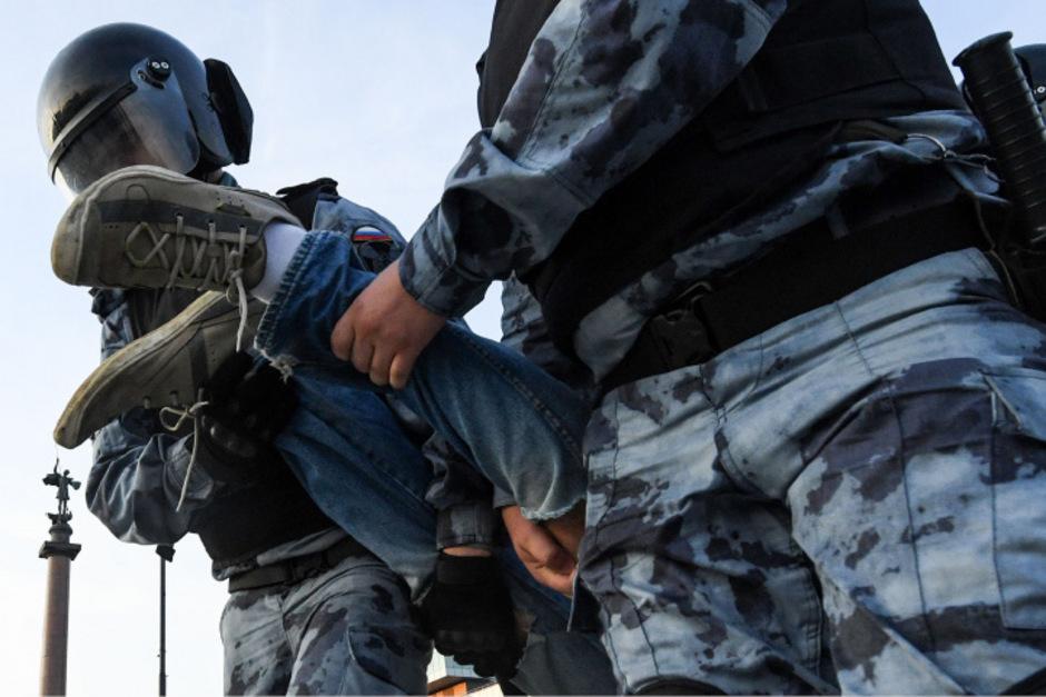 Die Polizei ging gewaltsam gegen die Demonstranten vor.