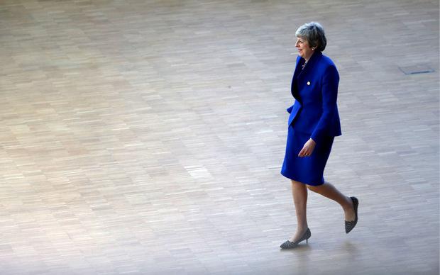 Selbst die oft als graue Maus beschriebene bisherige Premierministerin Theresa May hat  mit ihren ausgefallenen Schuhen einen Hauch von Exzentrik gezeigt.