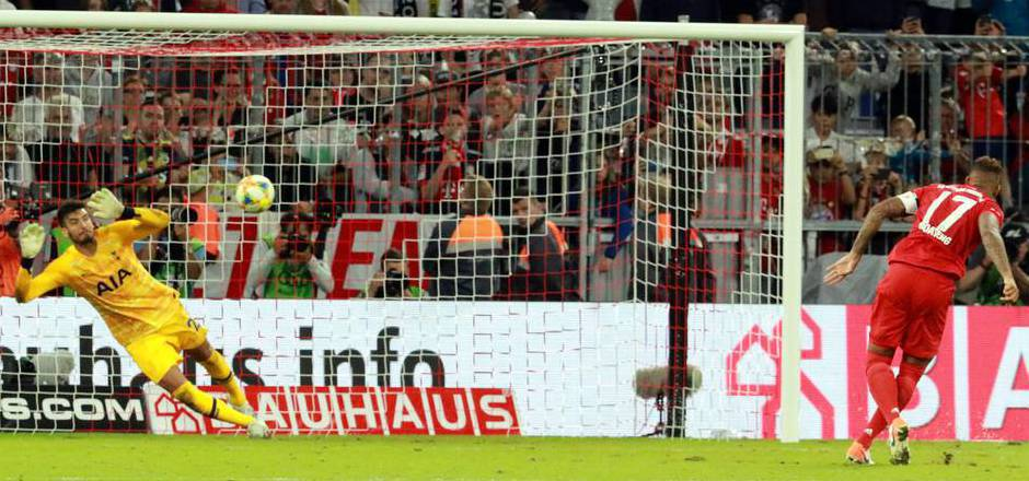 Die Entscheidung im Elfmeterschießen: Jerome Boateng scheiterte an Tottenham-Keeper Paulo Gazzaniga.