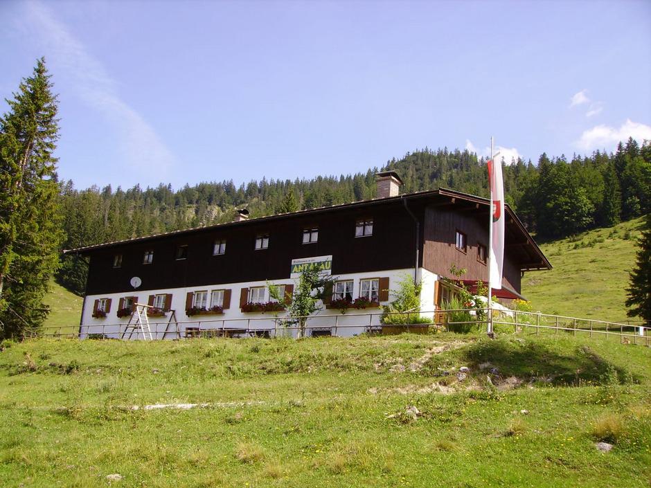 Die Antalau-Hütte liegt idyllisch im Naturschutzgebiet. Um die Verwendung gab es einen langwierigen Rechtsstreit.