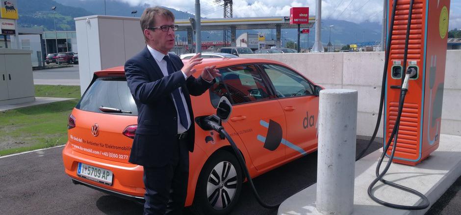Da-emobil-Geschäftsführer Alois Wach hat ehrgeizige Ziele: Bis zum Jahr 2025 soll das Ladenetz 250 Standorte umfassen.