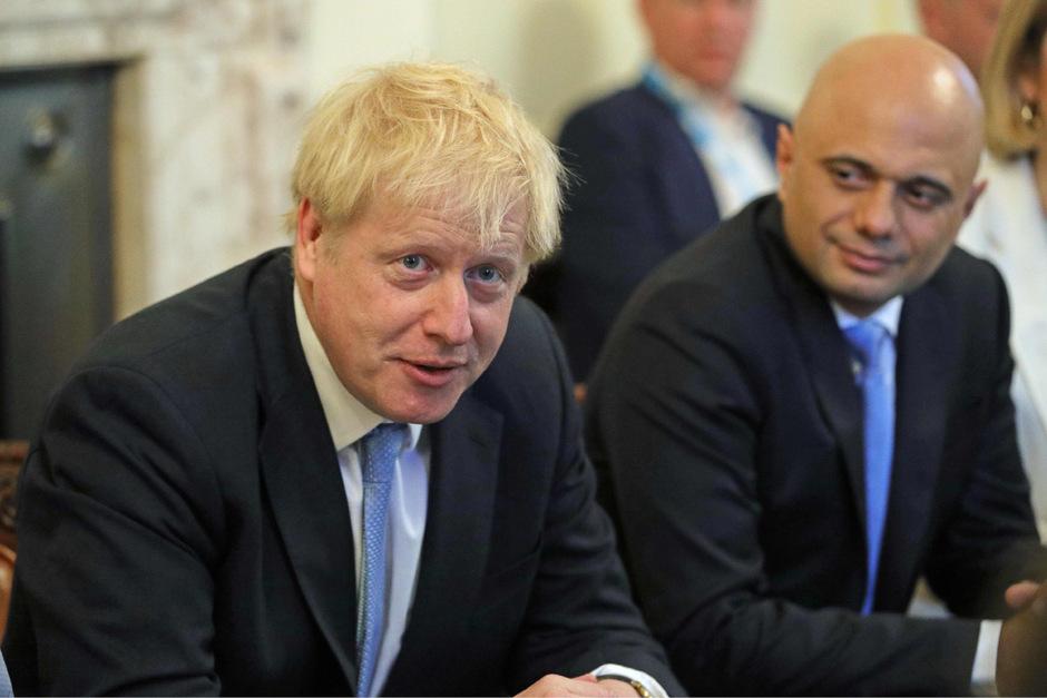 Der neue britische Premierminister Boris Johnson an der Seite des britischen Finanzminsters Sajid Javid.