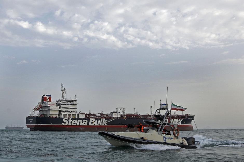 Wegen der Spannungen zwischen dem Iran und den USA und den Zwischenfällen mit Tankern wird über eine Militärmission in der Straße von Hormuz diskutiert.