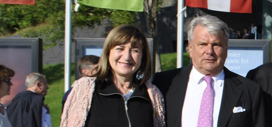 Landesrätin Palfrader und Präsident Haselsteiner nähern sich in Sachen Kontrolle der Festspiele Erl allmählich an.