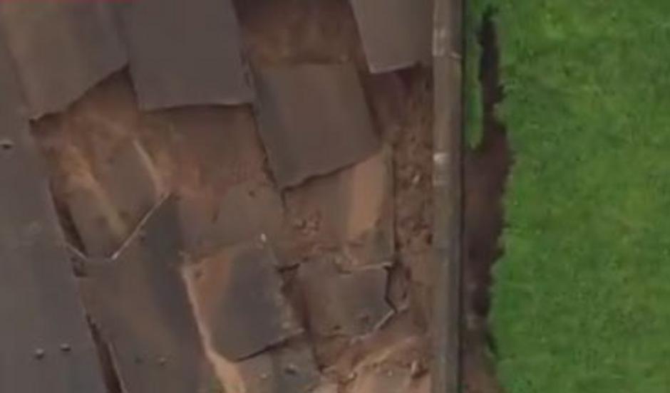 Das Toddbrook Reservoir bei Whaley Bridge südöstlich von Manchester wurde schwer beschädigt.