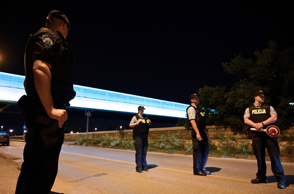Nach einer mehrstündigen Großfahndung, zu der beinahe die gesamte Polizei in Zagreb und Umgebung ausgerückt war, wurde der Flüchtige in der Nähe des Tatorts tot aufgefunden.