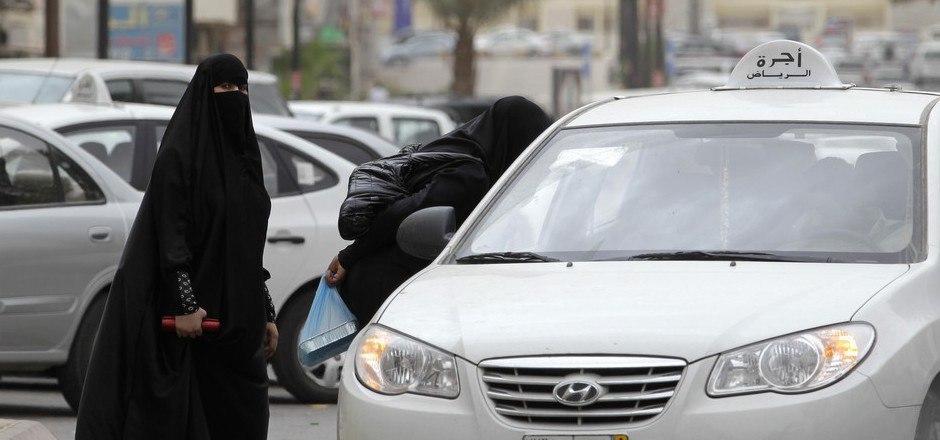 Saudi-Arabien unterdrückt die Rechte von Frauen in vielen Lebensbereichen.