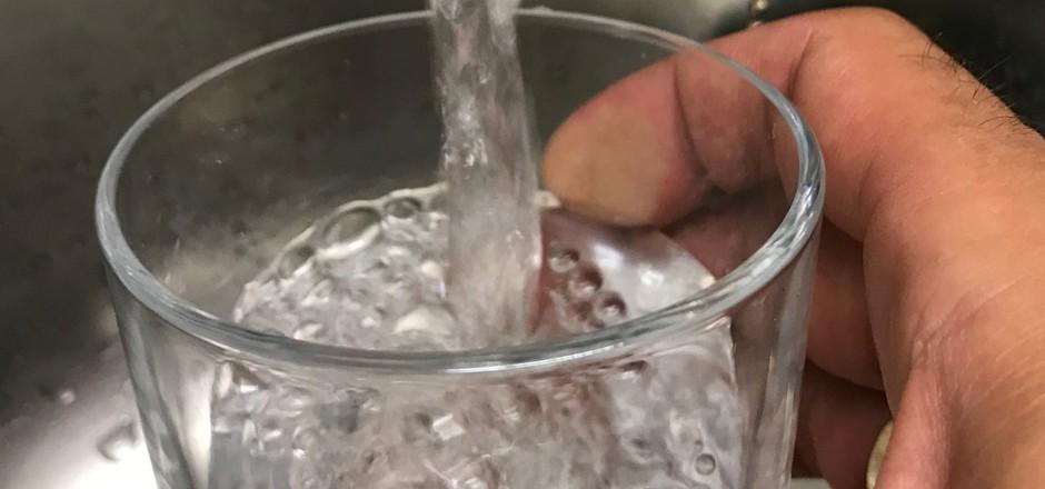 Klares Trinkwasser gibt es in St. Ulrich seit Montag keines mehr. Zum Ärger der Bürger.