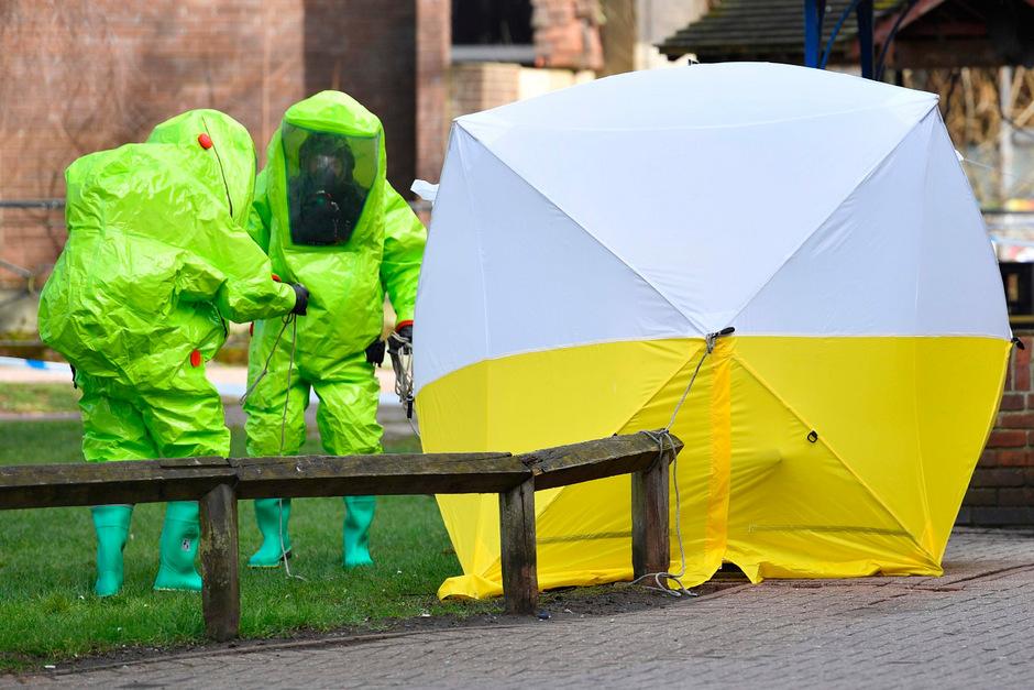 Sergej Skripal und seine Tochter Julia wurden im März 2018 bewusstlos auf einer Bank im englischen Salisbury gefunden. Sie überlebten den Anschlag mit dem Nervengift Nowitschok.
