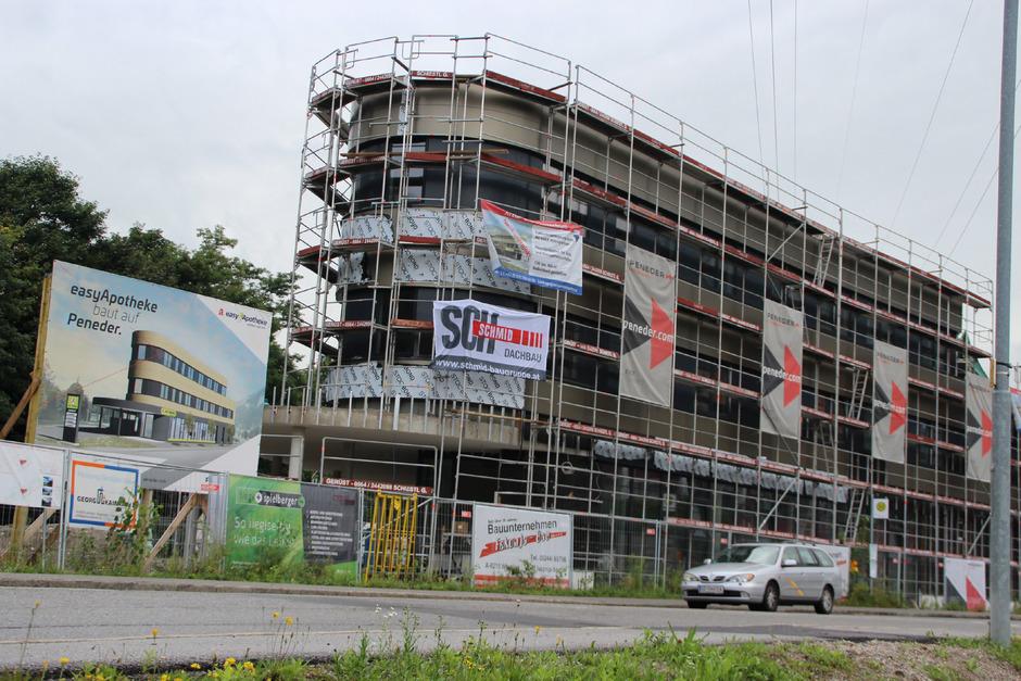 Neuland in Österreich wird in Jenbach mit einer easy-Apotheke beschritten. Zur Eröffnung soll es Anfang des nächsten Jahres kommen.