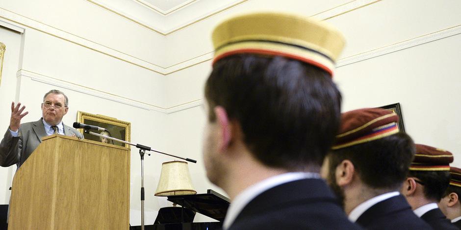 """Der Leiter der """"Historikerkommission"""", Ex-FPÖ-Politiker Wilhelm Brauneder, 2014 bei einer Podiumsdiskussion der """"Forschungsgesellschaft Revolutionsjahr 1848"""" im Palais Palffy in Wien."""