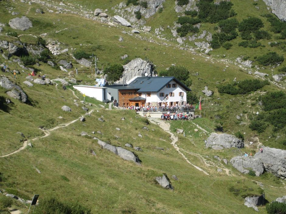 Die Muttekopfhütte oberhalb von Imst.