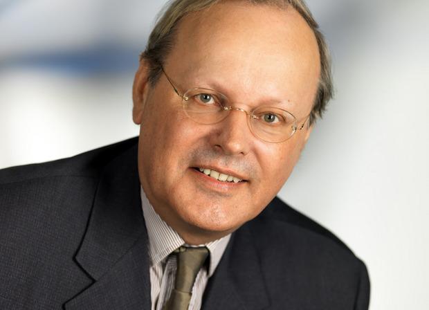 """""""Das Ziel ist, dass der Mensch mit hundert Jahren gesund ins Grab fällt."""" Markus Metka, Präsident der Österr. Anti-Aging-Gesellschaft"""