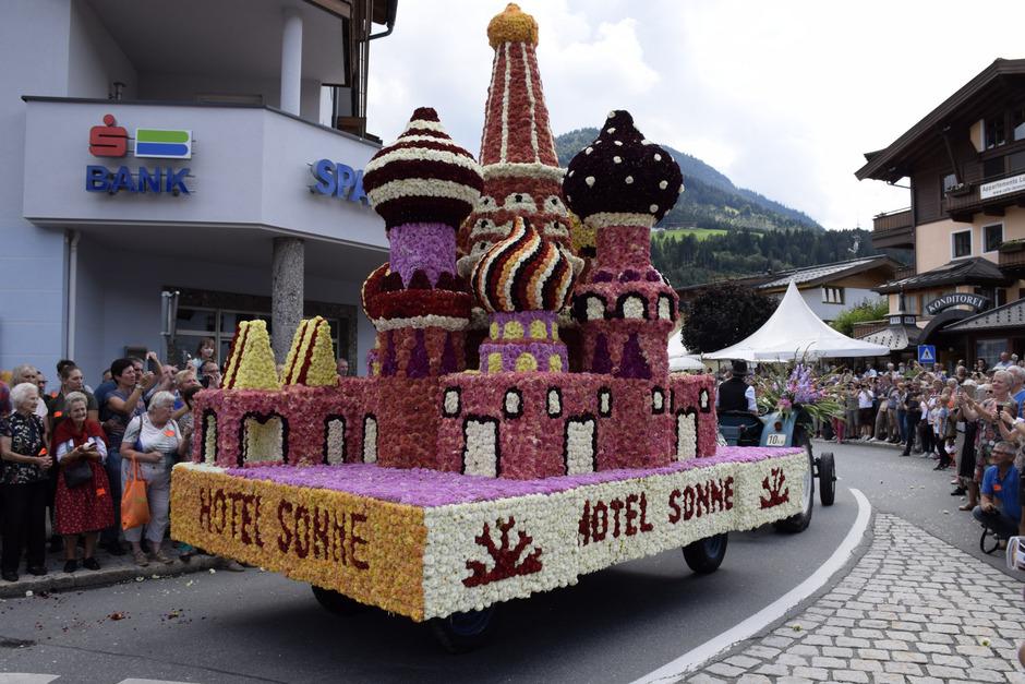 Im Vorjahr gab es beim farbenprächtigen Umzug durch das Ortszentrum von Kirchberg tolle Motive zu bestaunen.