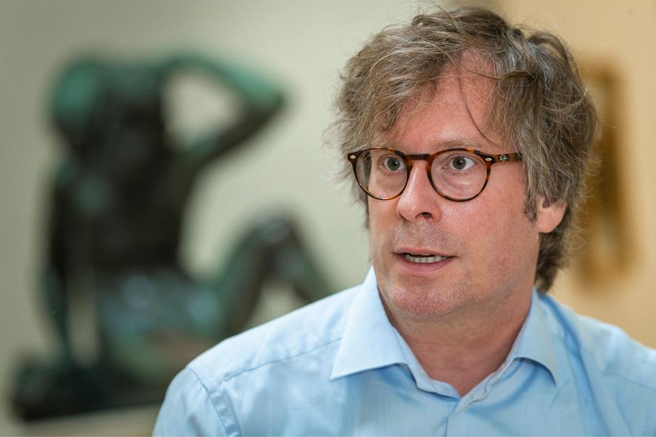 Der gebürtige Münsterianer war Projektleiter am Landesmuseum in Hannover und am Frankfurter Städel. Dort trieb er die Erschließung der Graphischen Sammlung und die Umsetzung in Online-Katalogen voran.