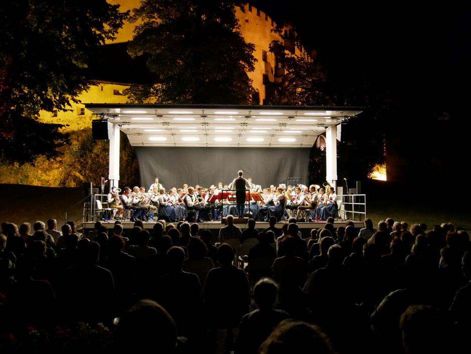 Die Stadtmusik Lienz gibt morgen Abend vor Schloss Bruck ihr traditionelle Sommerkonzert.