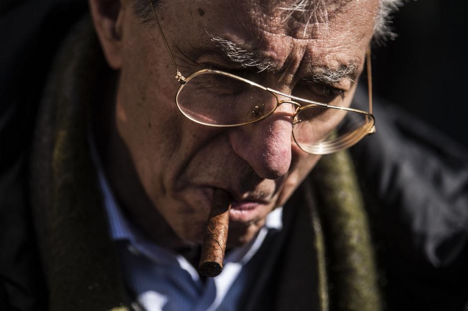 Lega-Nord-Gründer Umberto Bossi soll 49 Millionen Euro für private Zwecke veruntreut zu haben.