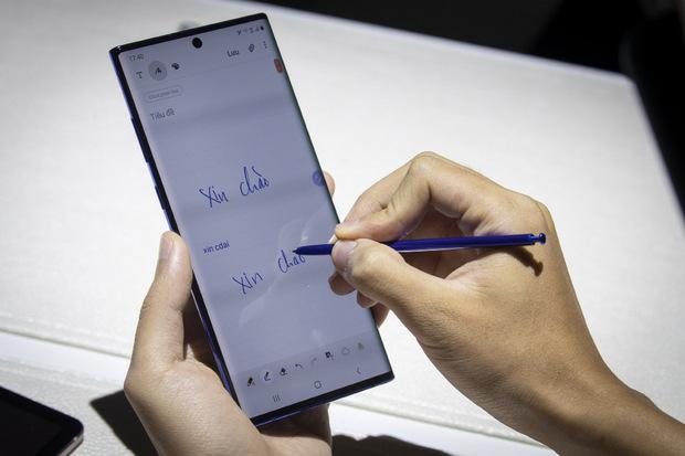 Mit dem dazugehörigen Stift sollen sich beim neuen Galaxy Note etwa Unterschriften auf Dokumente setzen lassen.