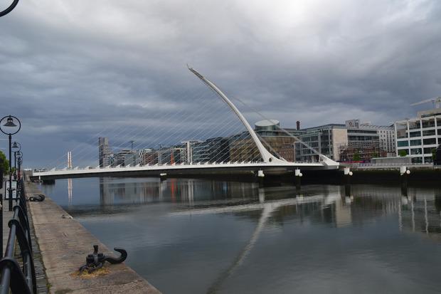 Die Samuel Beckett Bridge.