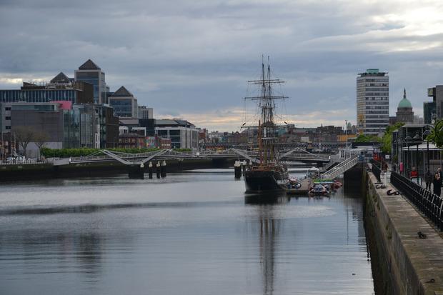 Blick auf das Museumsschiff, das zeigt, wie die Menschen im 19. Jahrhundert nach Nordamerika reisten.