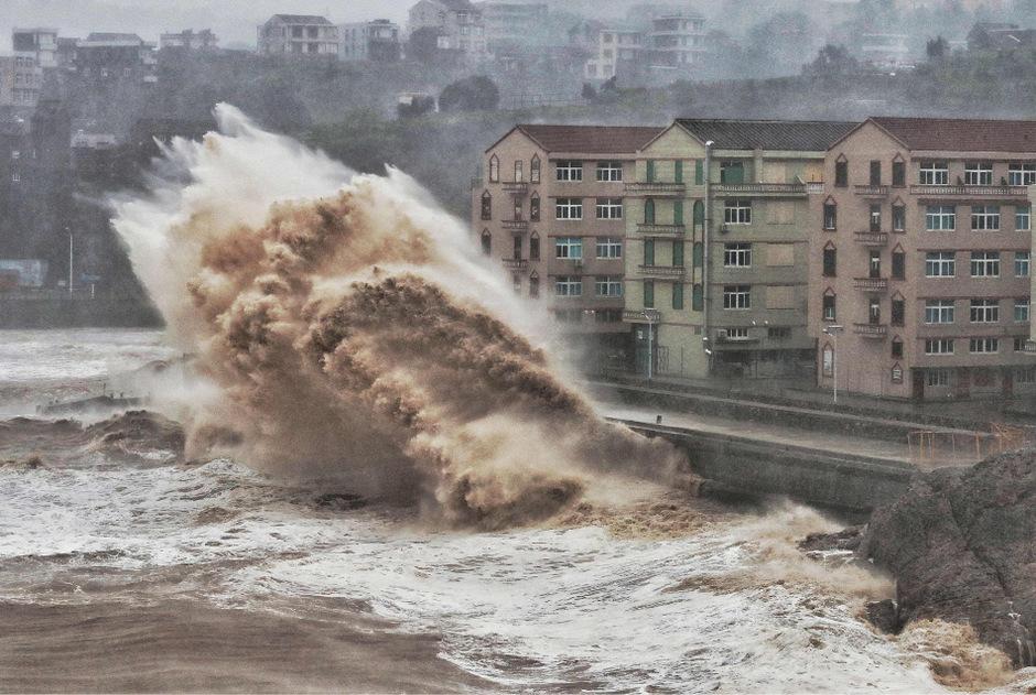 """Taifun """"Lekima"""" traf mit Wucht an Land in China."""