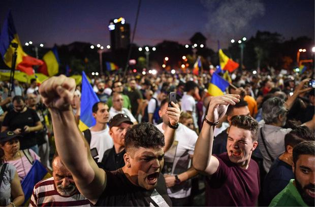 Die Demonstranten forderten den Rücktritt der als korrupt und inkompetent empfundenen Regierung.
