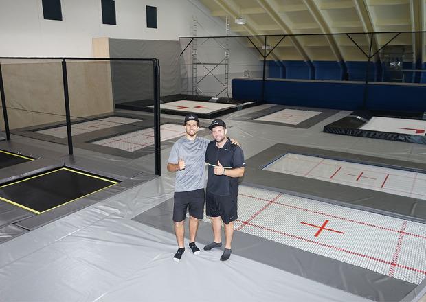 Andreas Gohl (l.) und Christoph Wolf betreiben die Anlage.