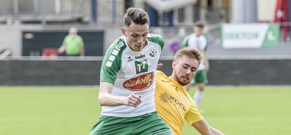 Martin Schmadl (grün-weiß) zählt zum Quartett der Wattener Amateure, deren Einsatzminuten nicht nur von den Leistungen abhängen.