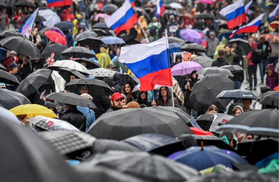 Tausende Russen protestierten am Samstag in Moskau.