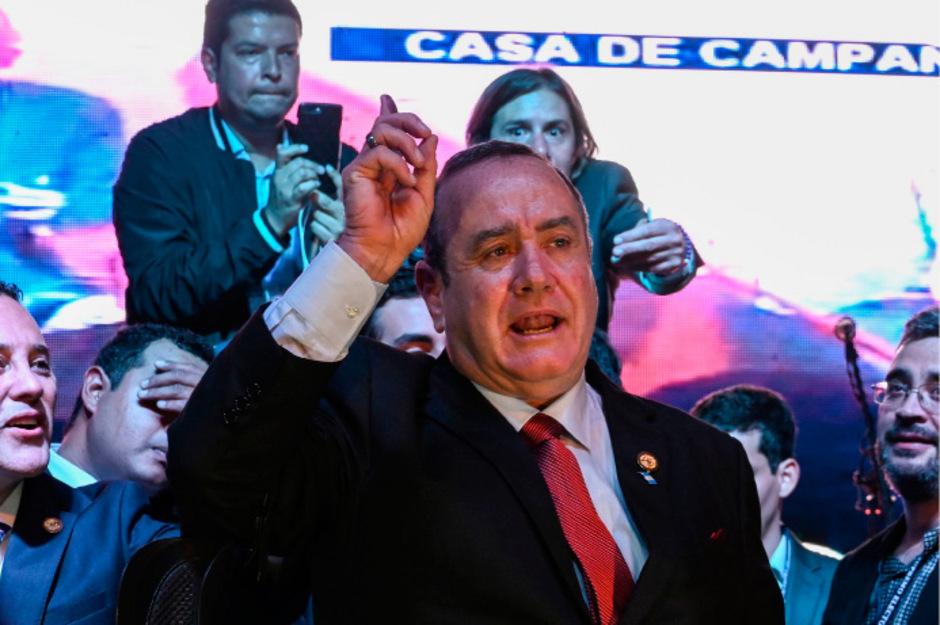 Alejandro Giammattei feiert seine Wahl zum künftigen Präsidenten.