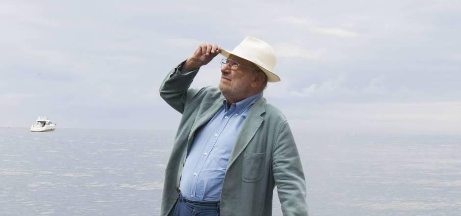 Der italienische Philosoph, Zeichentheoretiker und Bestsellerautor Umberto Eco starb im Februar 2016 im Alter von 84 Jahren.