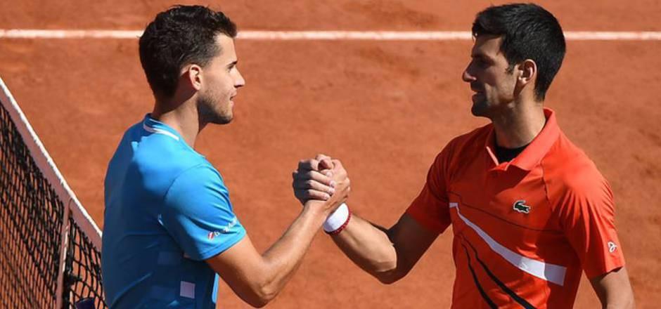Novak Djokovic (r.) lobt Dominic Thiem in höchsten Tönen.