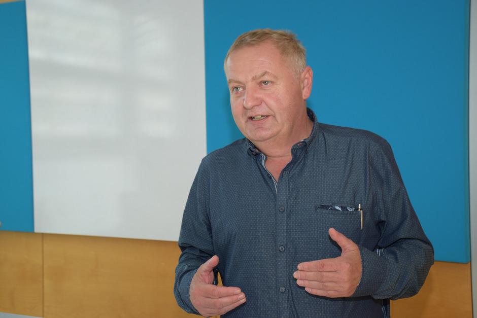 """Abfallberater Manfred Zöttl: """"Wer glaubt, nur weil er ein E-Auto fährt, hat er schon seinen Beitrag geleistet, liegt falsch."""""""
