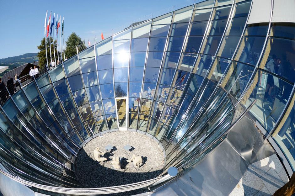 Heute beginnt in Alpbach das Europäische Forum, am Sonntag wird der Europaregion Tirol der Spiegel bei Forschungs-Kooperationen.