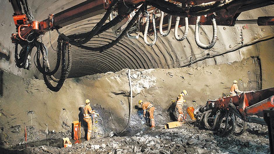 """Im Tunnel """"kracht"""" es planmäßig, in der Basistunnelgesellschaft hingegen ordentlich."""