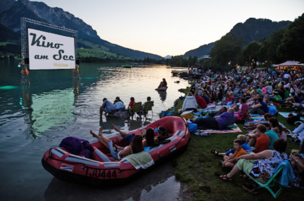 Bergdokumentation, unterhaltsame Familienkomödie oder Spaßiges für Kinder: Beim Kino am See in Walchsee wird Abwechslung in lauschiger Atmosphäre geboten.